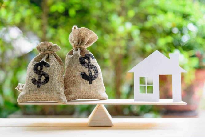 Ten Financial Pitfalls for Women in Divorce